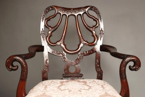 Superb quality mahogany open armchair
