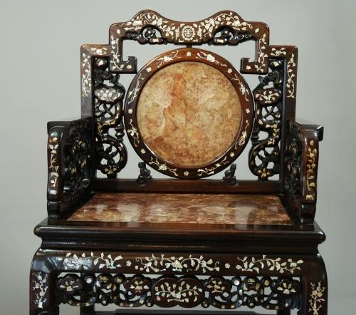 Chinese Qing dynasty inlaid hongmu chair