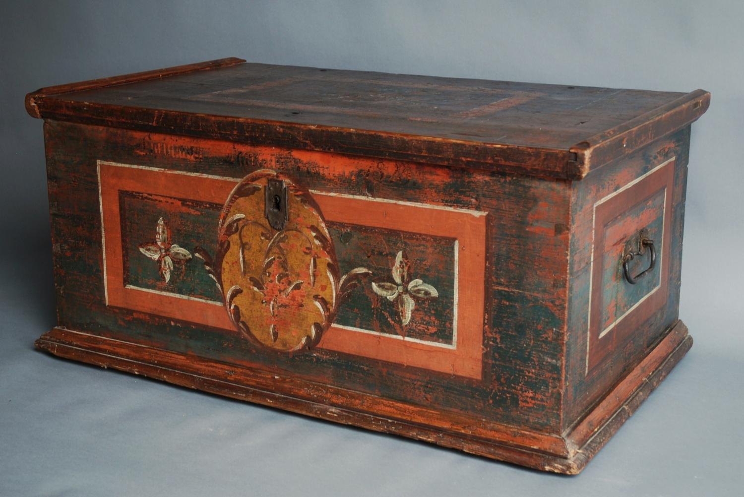 Late 19th century Folk Art painted pine chest