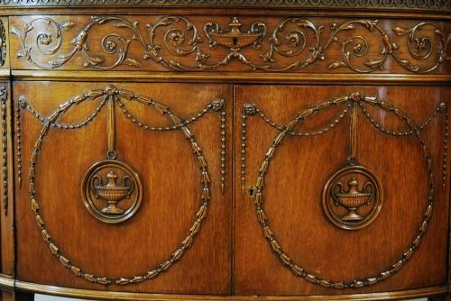 Mahogany commode in the Classical style