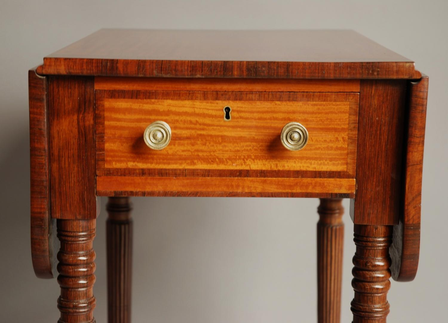 Early small 19thc satinwood drop leaf table