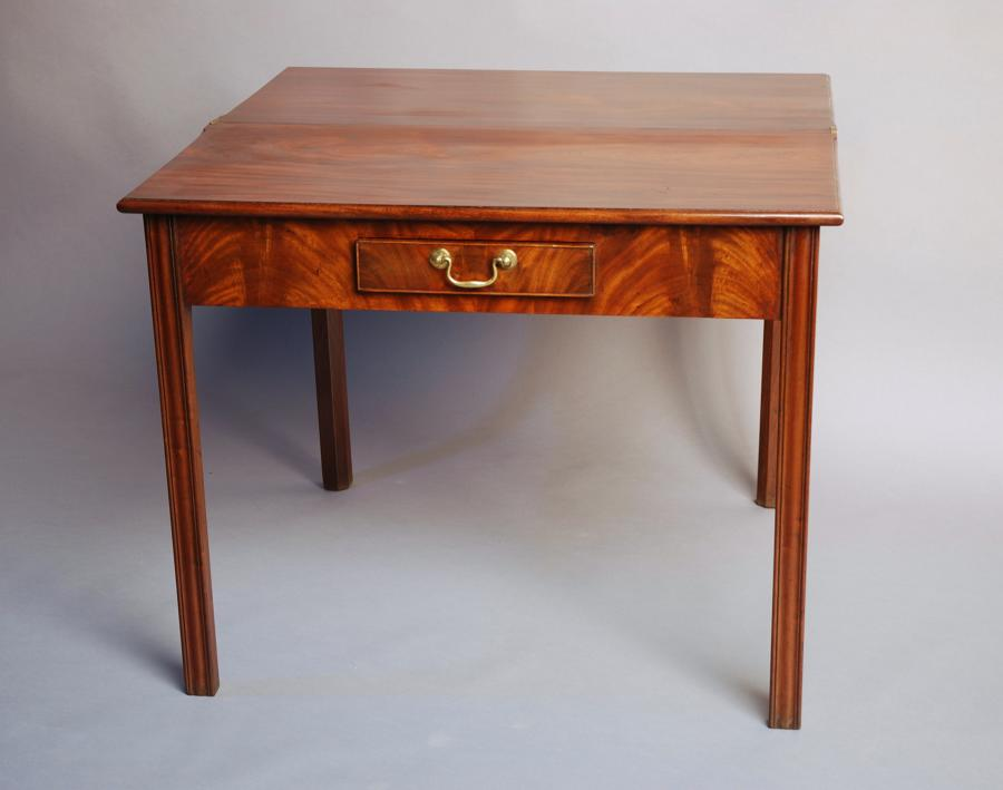 Mid 18thc mahogany tea table of good patina