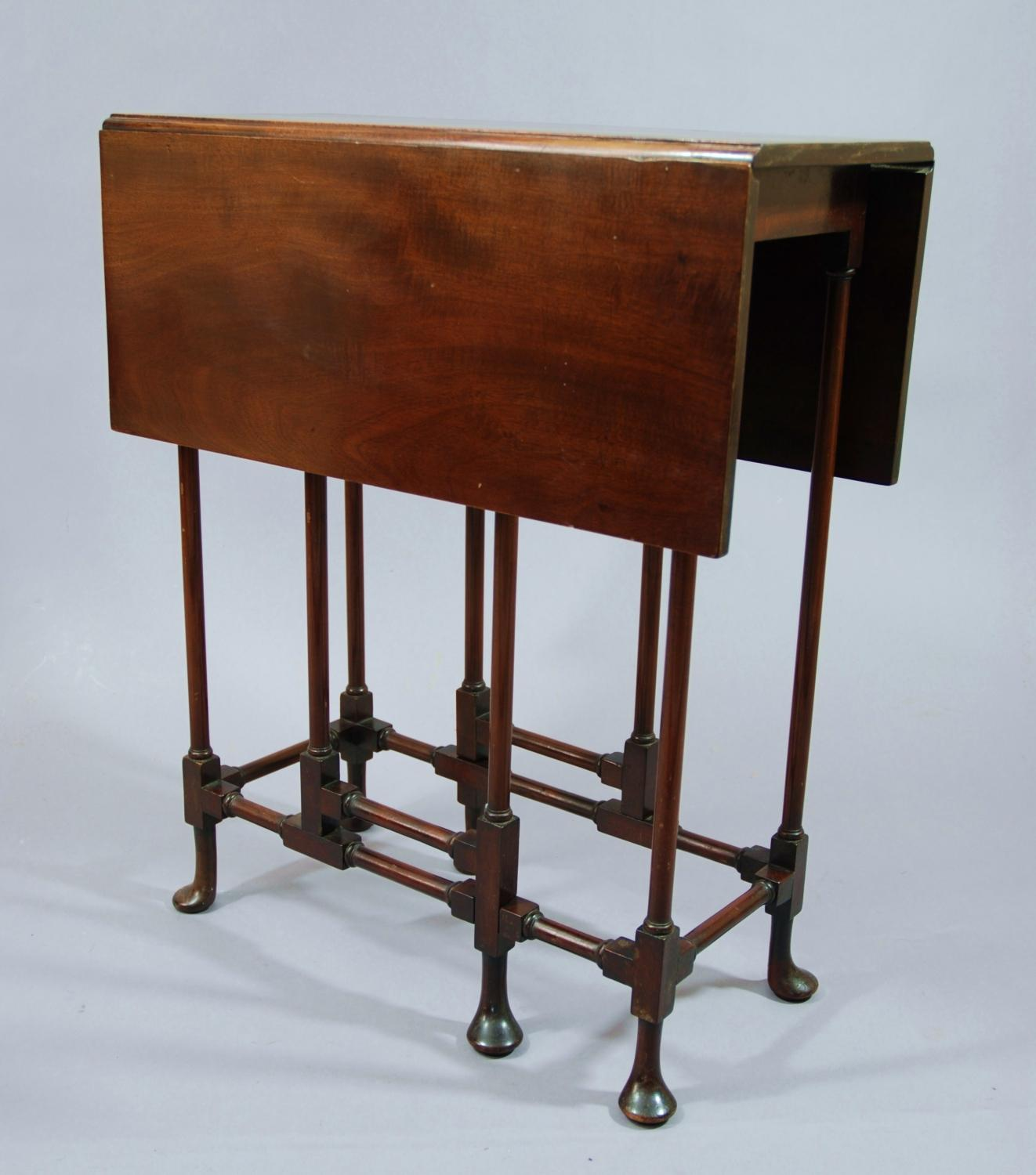 Late 19thc mahogany drop leaf spider table