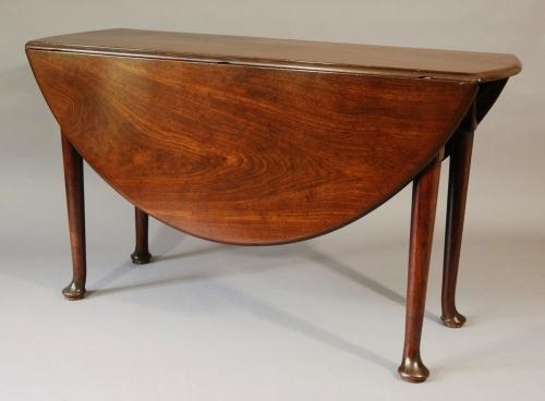 18thc mahogany pad foot table