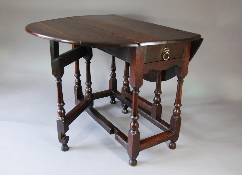 Early 18thc oak gateleg table