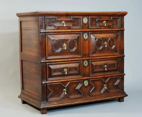 17th century oak moulded chest of drawers