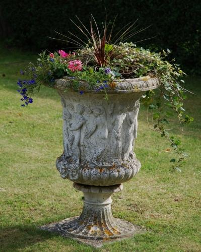 Mid 20thc Neo Classical garden urn