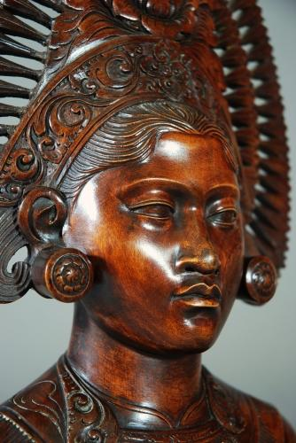 Mid 20thc carved bust of Balinese woman