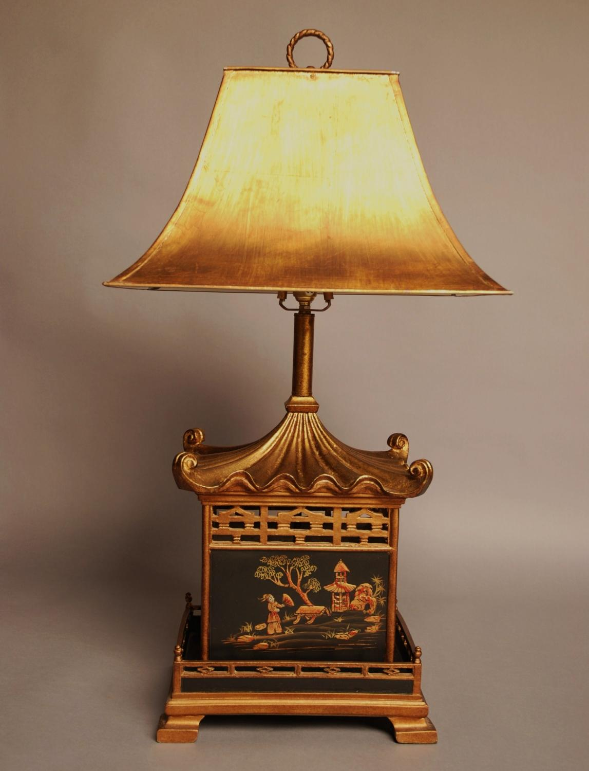 Decorative Chinoiserie style table lamp