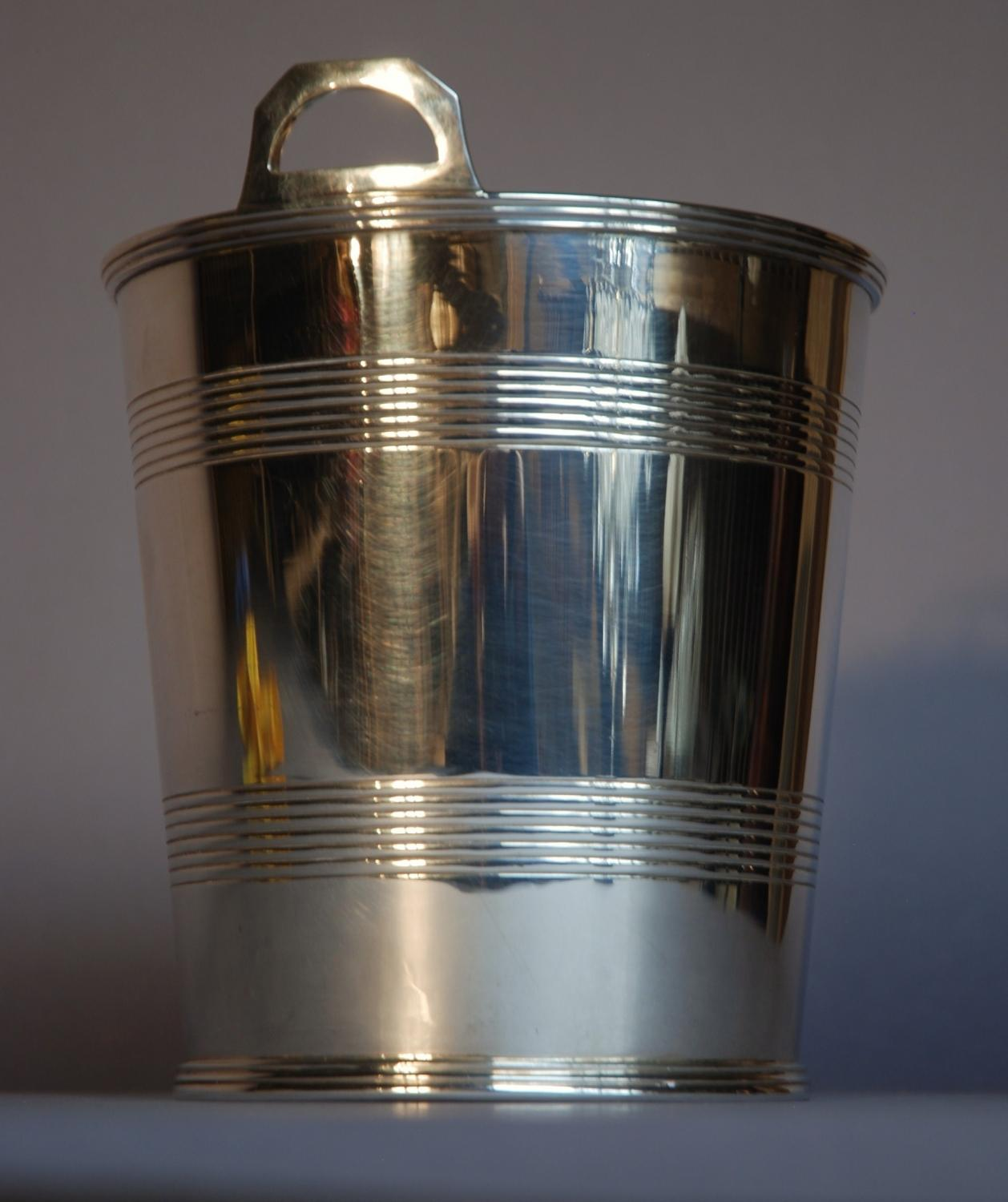 Silver plate wine/champagne ice bucket/cooler
