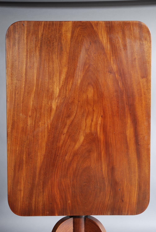 Mid 19thc mahogany tilt top table