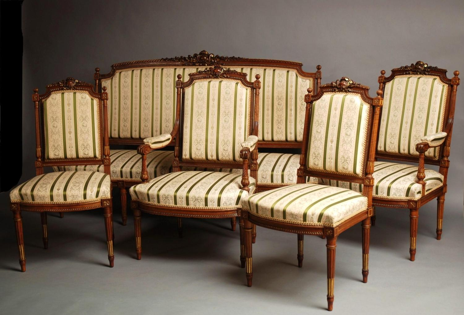 Late 19thc French carved walnut salon suite