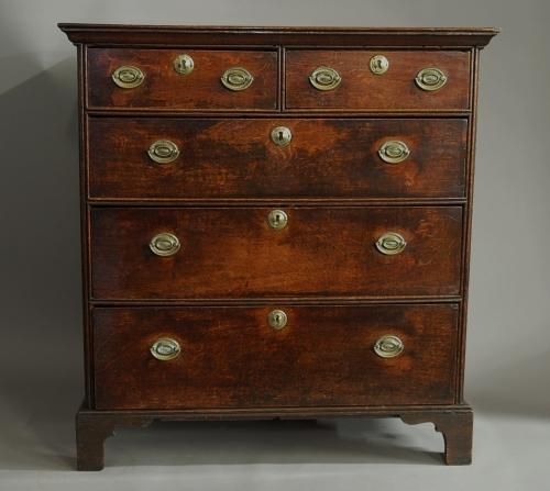 18thc oak chest of drawers of superb patina