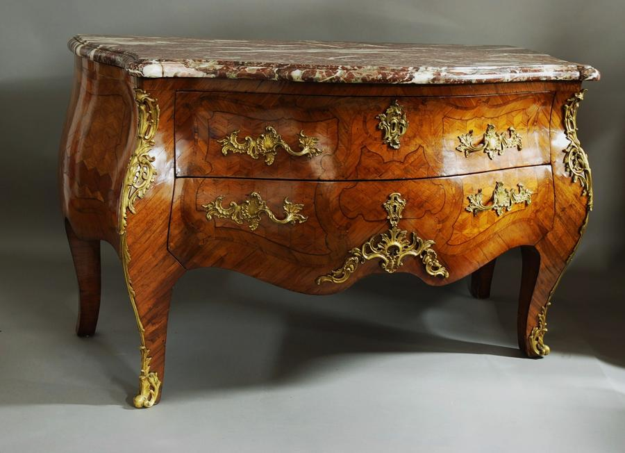 Rare early 18thc French Kingwood Louis XV commode of bold proportions