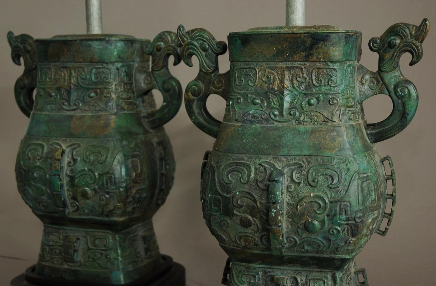 Pair of table lamps in the Chinese style