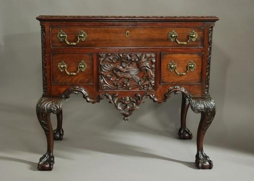 19thc American mahogany dressing table