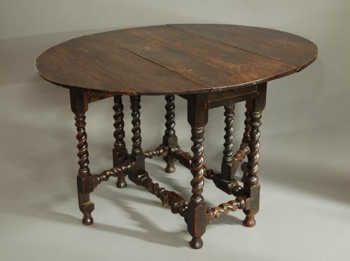 Small 17th century oak gateleg table