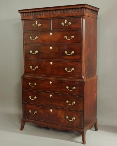Superb George III mahogany chest on chest