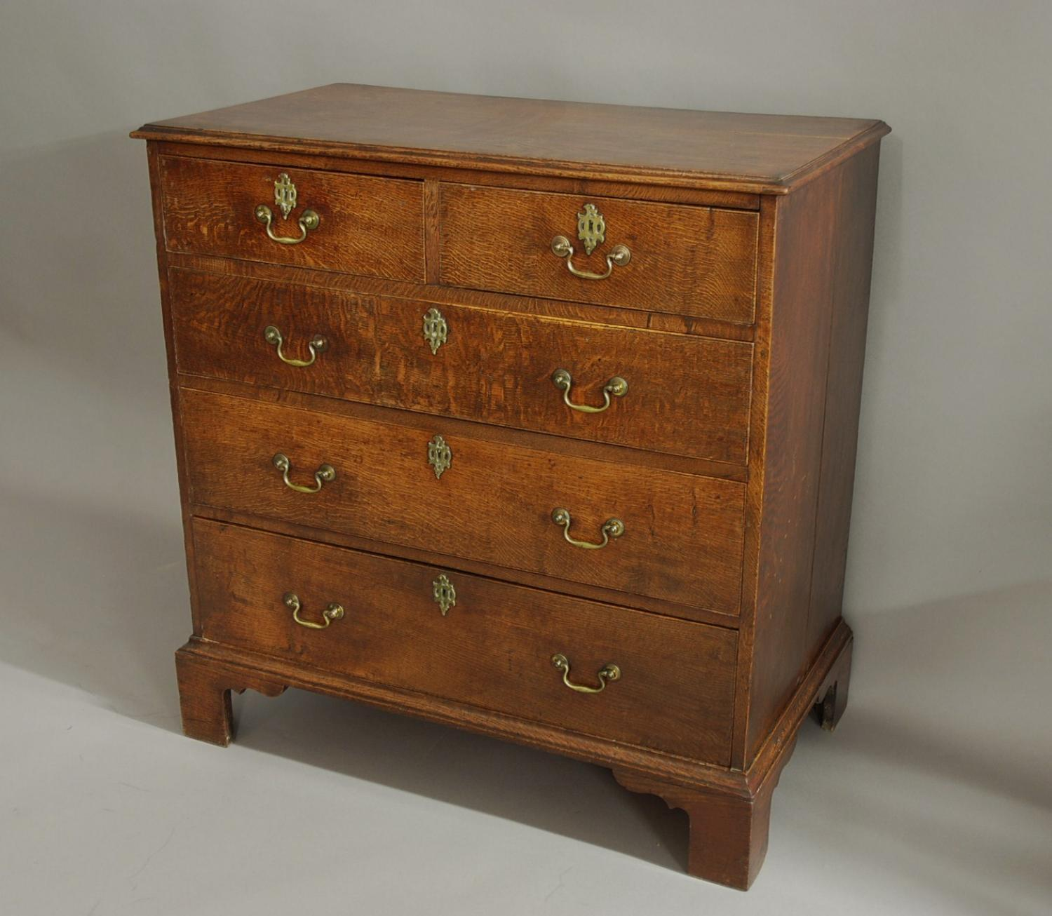 18thc oak chest of drawers of fine patina