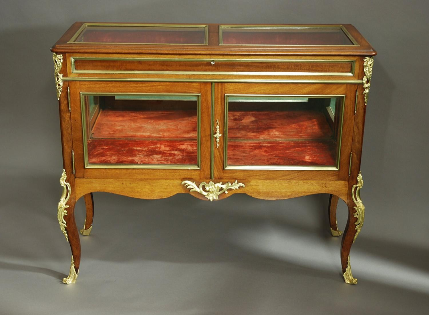Fine quality late 19thc French display case