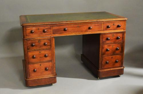 Late 19thc small mahogany pedestal desk