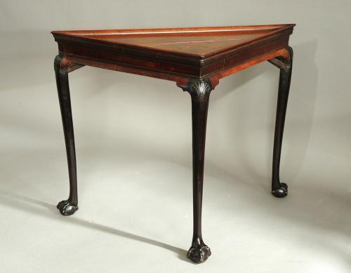 Rare early/mid 18thc Irish mahogany tea table