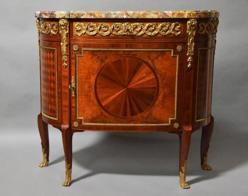 Fine quality French Kingwood commode