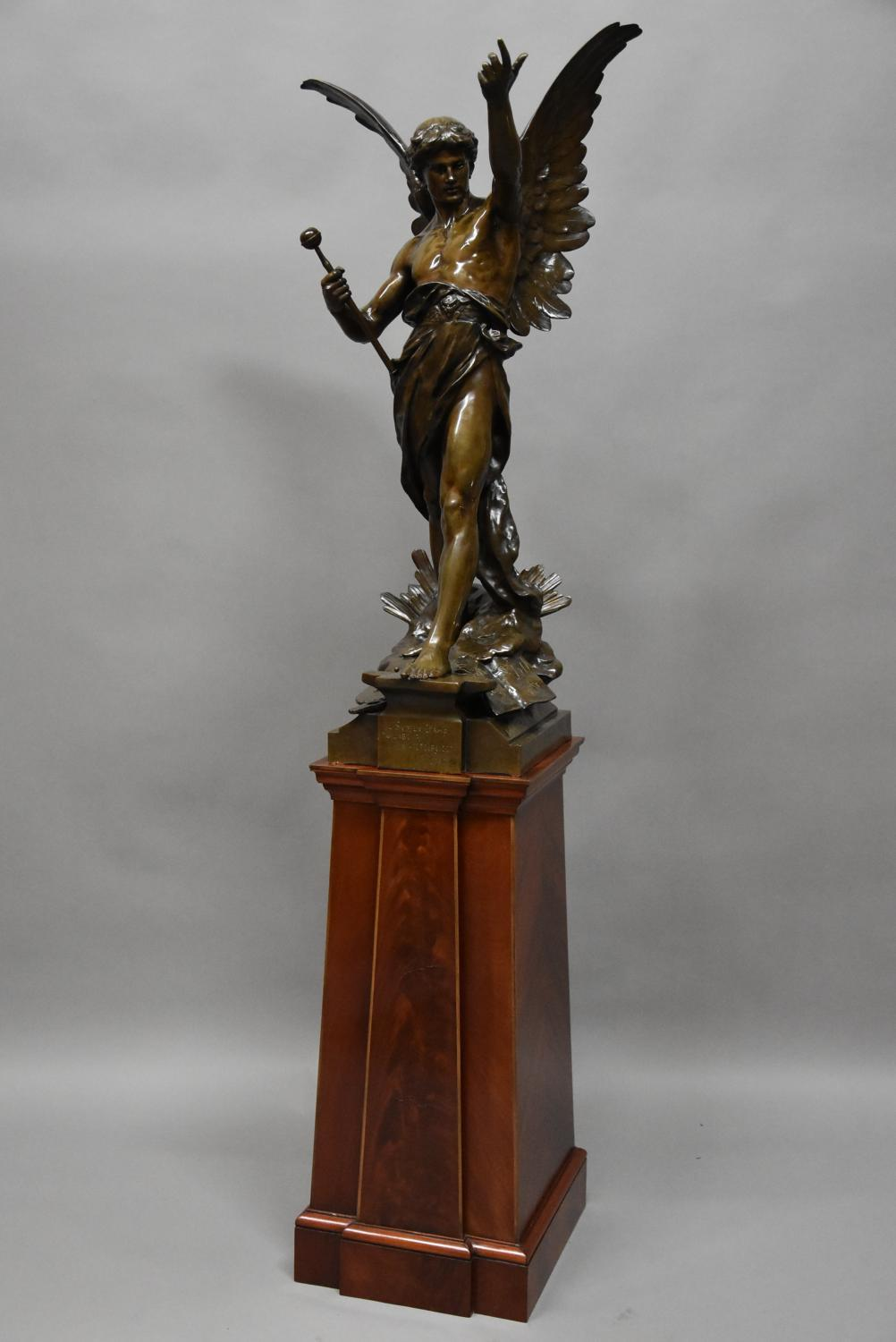 Superb large bronze 'Le Genie du Travail'