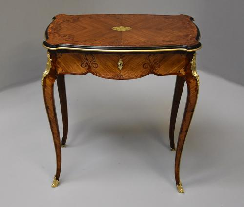 Superb French 19thc Kingwood occasional table