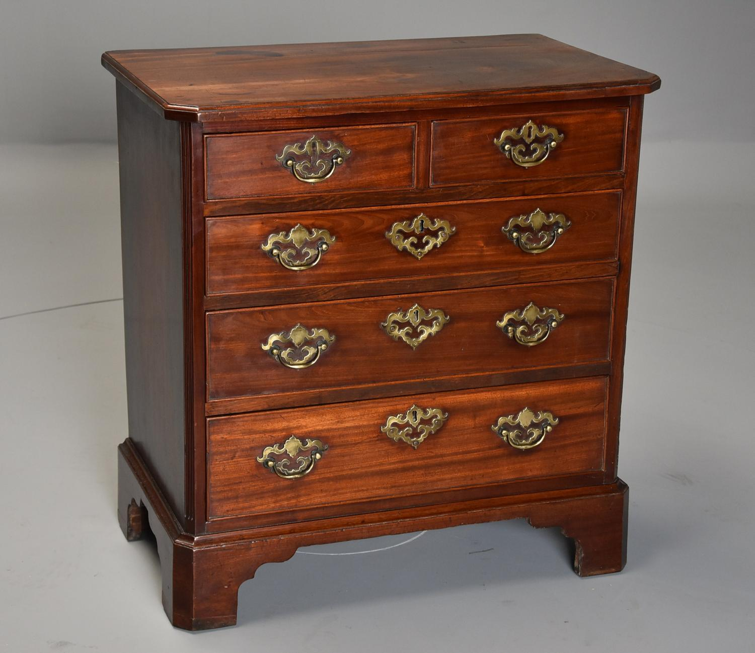 Small mid 18thc George II mahogany chest of drawers