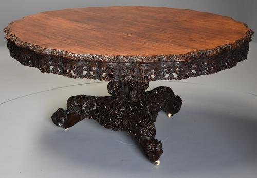 Large 19thc highly decorative Anglo Indian padouk centre table