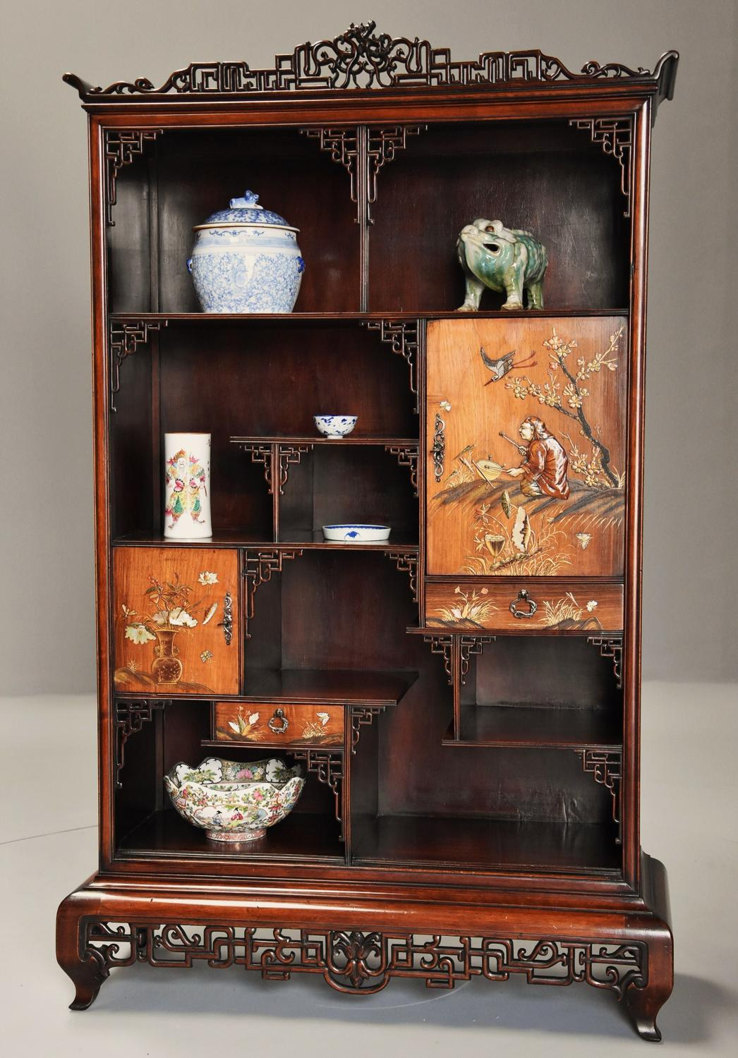 Exquisite French 19thc Japanese style display cabinet