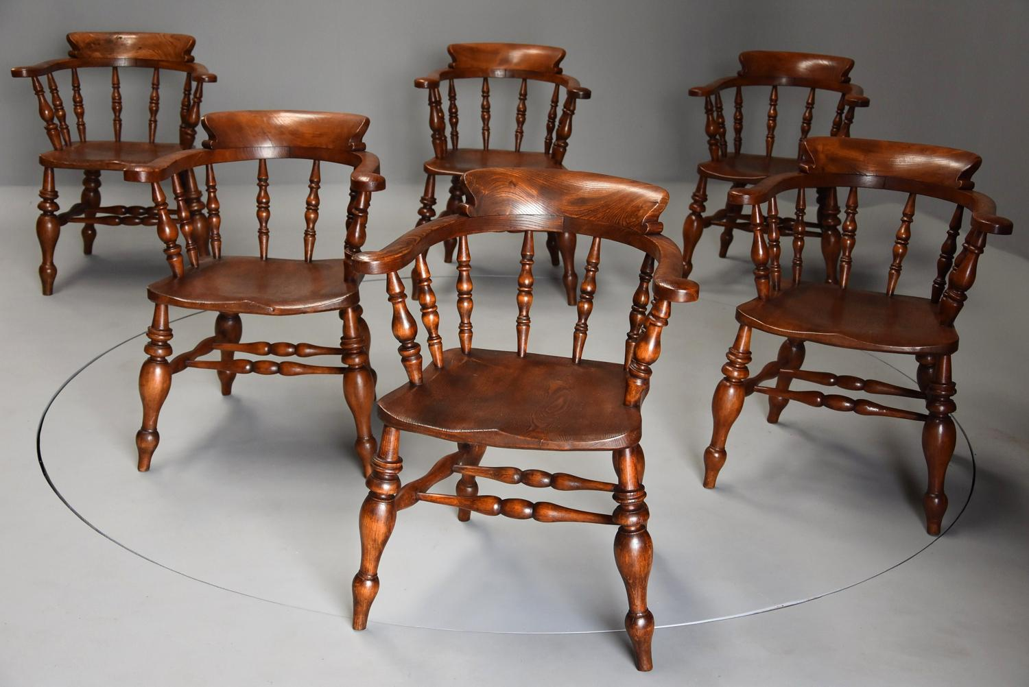 Superb set of six 19thc nicely figured elm Smokers bow Windsor chairs