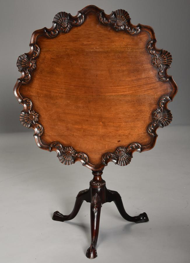 Late 19thc Chippendale style mahogany piecrust tilt top tea table