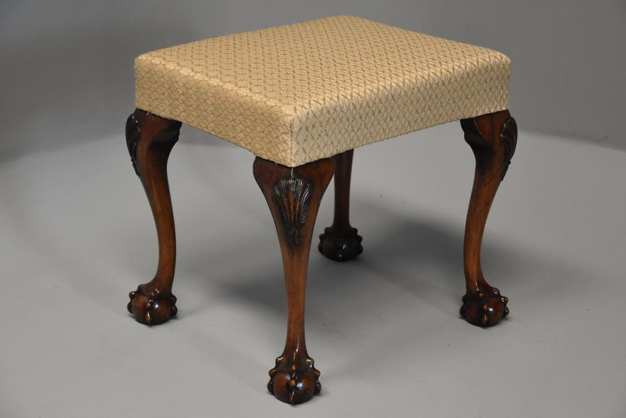 Early 20th century Queen Anne style walnut stool
