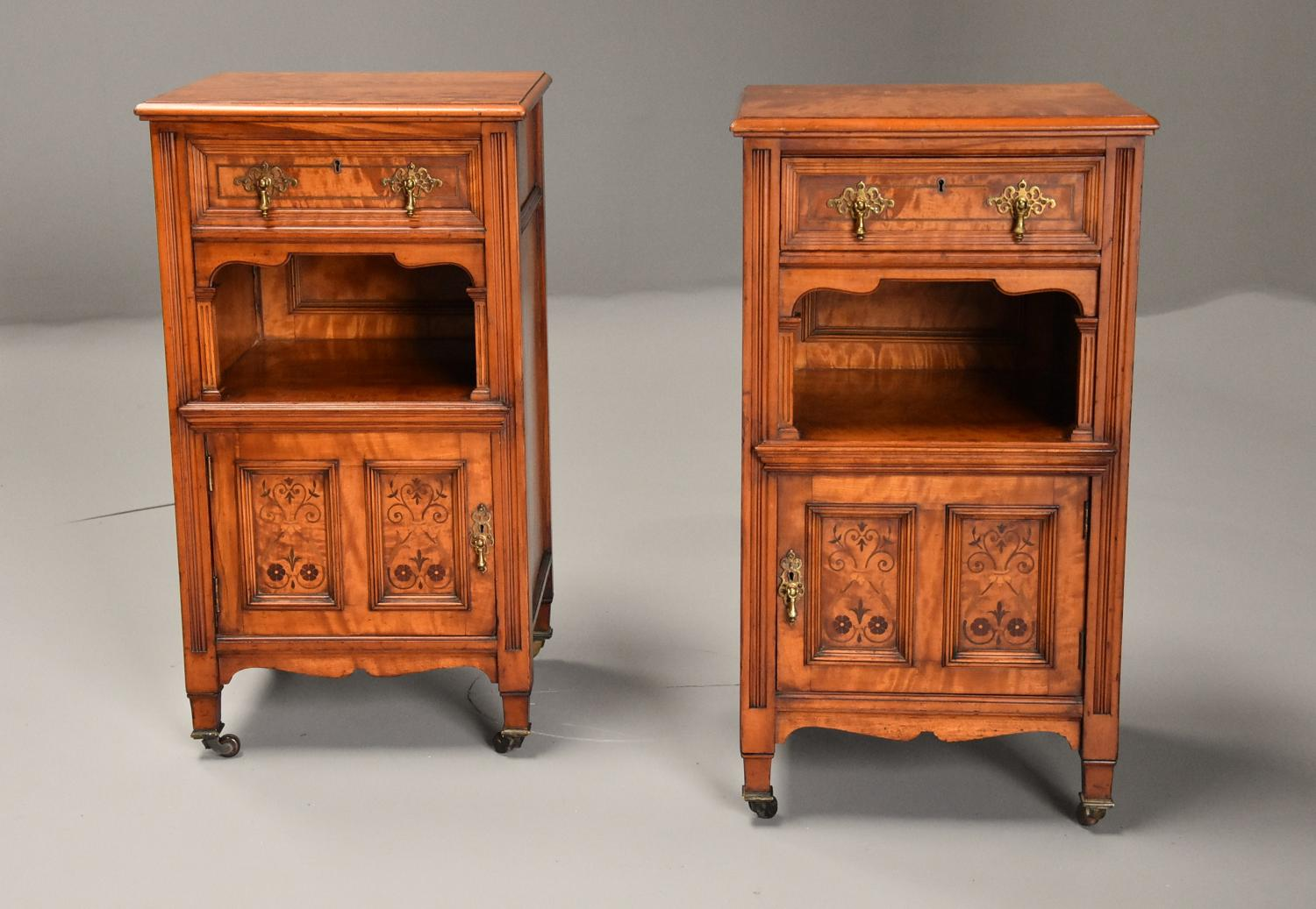 Pair of 19thc satin birch bedside cabinets with Aesthetic influence