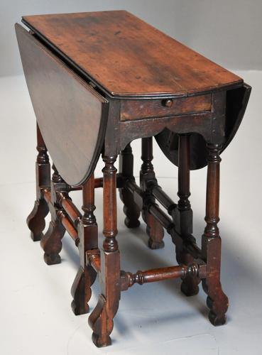 Rare 18th century mahogany gateleg table of small proportions