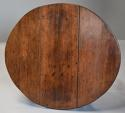 Rare 18th century mahogany gateleg table of small proportions - picture 11