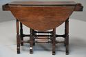 Rare 18th century mahogany gateleg table of small proportions - picture 4