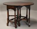 Rare 18th century mahogany gateleg table of small proportions - picture 5