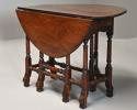 Rare 18th century mahogany gateleg table of small proportions - picture 6