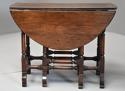 Rare 18th century mahogany gateleg table of small proportions - picture 7