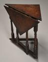 Rare & unusual late 17th century oak gateleg corner table - picture 2