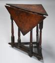 Rare & unusual late 17th century oak gateleg corner table - picture 4