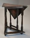 Rare & unusual late 17th century oak gateleg corner table - picture 5