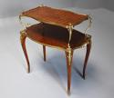 Fine quality French 19th century Kingwood two tier serpentine etagere - picture 2