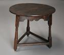 Early 18th century oak cricket table - picture 3