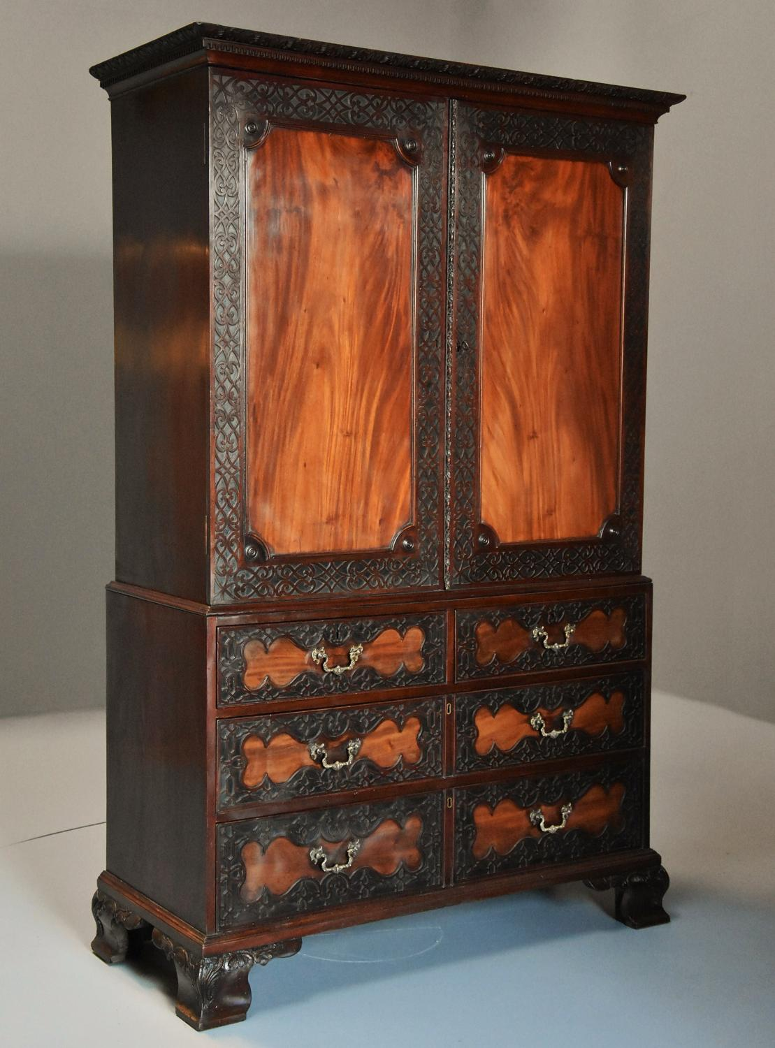 Superb quality mid 19thc mahogany press cupboard in the 18thc style