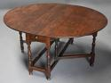 17thc oak gateleg table of good, versatile size with fine patina - picture 1