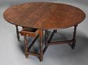 17thc oak gateleg table of good, versatile size with fine patina - picture 3
